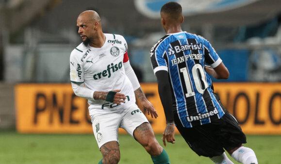 Felipe Melo, contra a equipe do Grêmio (Foto: Cesar Greco)