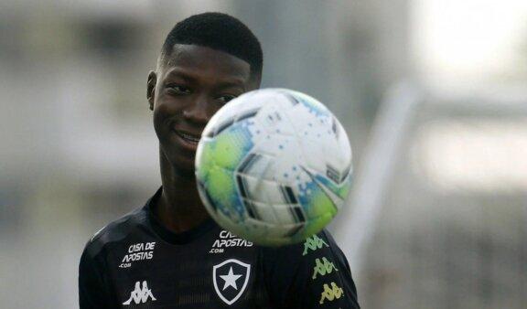 Matheus Babi interessa ao Fluminense