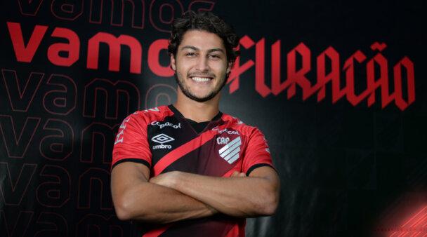 Marcinho foi contratado pelo Athletico.