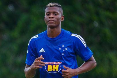 São Paulo negocia a contratação de Orejuela, lateral do Cruzeiro