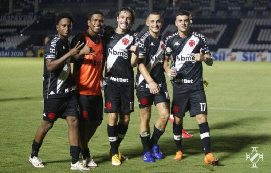 Vasco encara a Portuguesa-RJ.