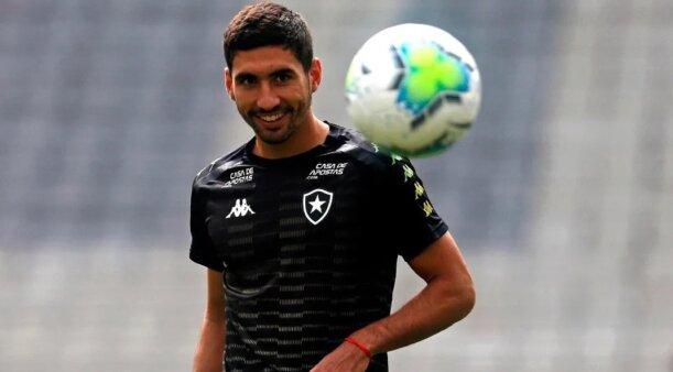 Federico Barrandeguy em ação pelo Botafogo