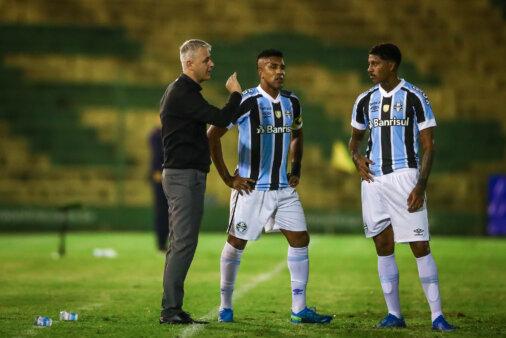 Tiago Nunes e escalação do Grêmio