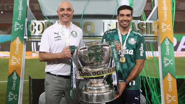 Abel celebrou feitos no Palmeiras.