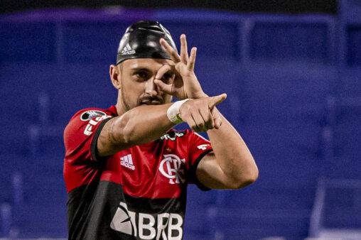 Arrascaeta, do Flamengo, esteve no time da semana da Libertadores.