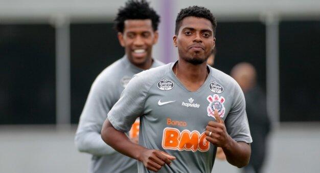 Jemerson em ação pelo Corinthians