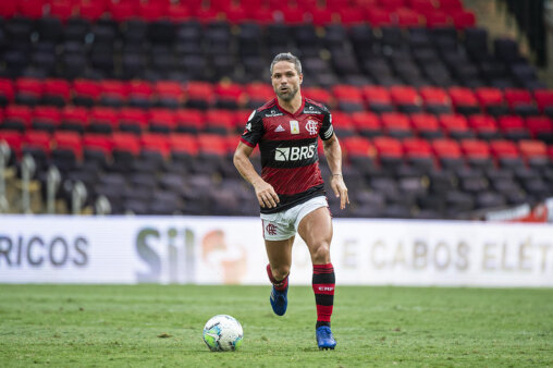 Diego é o atual camisa 10 do Flamengo no Brasileirão