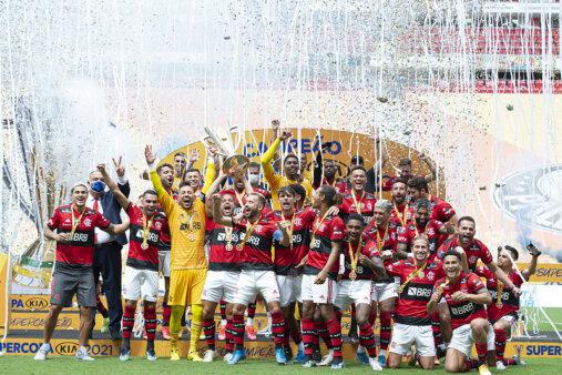 Flamengo venceu a Supercopa.