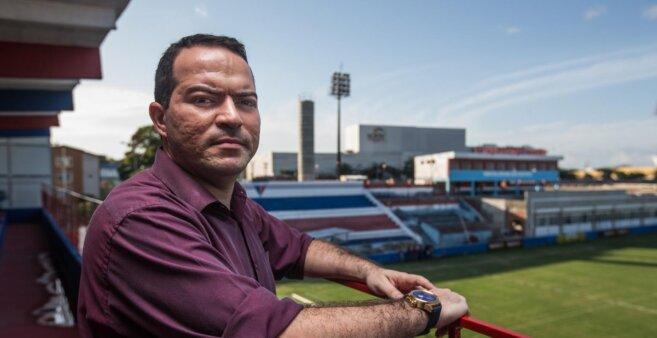 Enderson Moreira em ação pelo Fortaleza