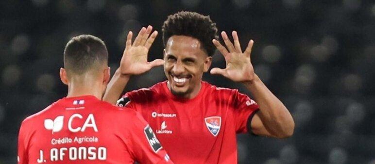 Lucas Mineiro interessa ao Benfica