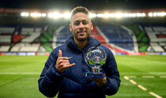 Neymar entrou no elenco da temporada na Champions.