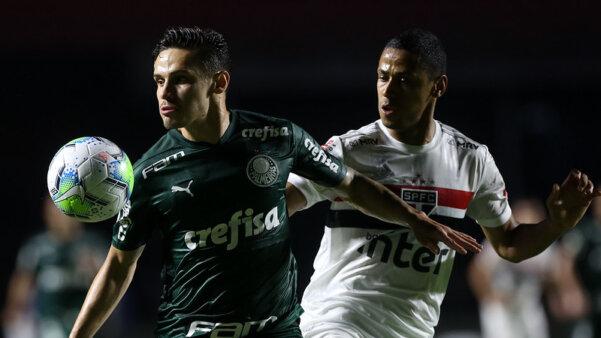 Palmeiras encara o São Paulo.