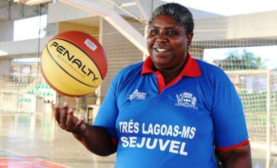 Ruth de Souza, campeã mundial, morreu por complicações da covid-19