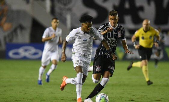 Santos e Corinthians duelam no Paulista.