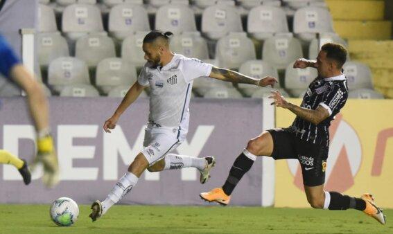 Santos encara o Corinthians.