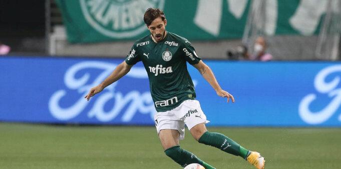 Viña é titular absoluto no Palmeiras.