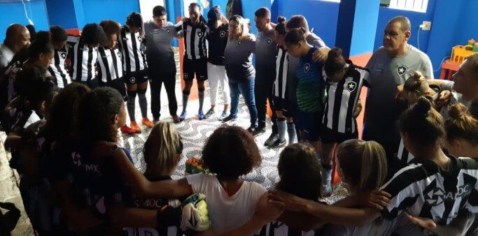 Botafogo desativou time sub-18 de futebol feminino