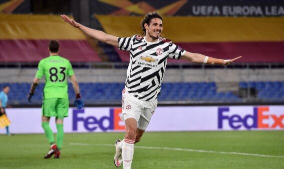 Cavani renovou com o United.