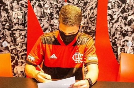 Davi assina com o Flamengo mercado da bola