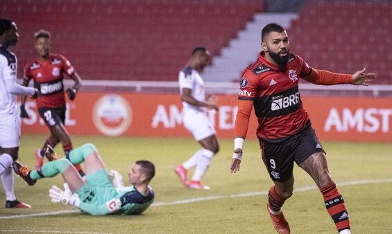 Flamengo encara a LDU na Libertadores.