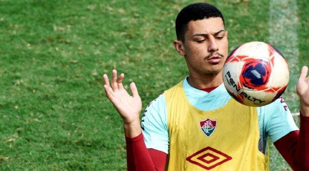 André Trindade em ação pelo Fluminense