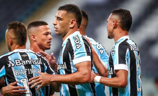 Grêmio teve mudanças em jogo da Copa do Brasil.