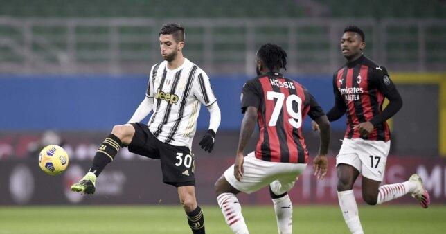 Juventus mede forças com o Milan.