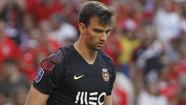 Goleiro ex-Grêmio pode jogar com Messi na próxima temporada