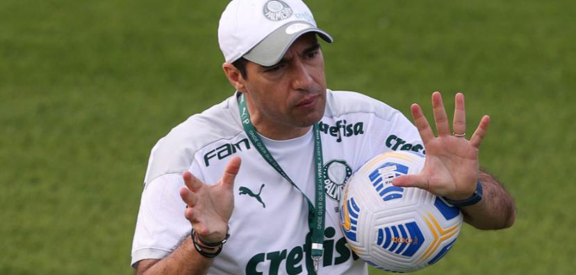 Palmeiras pode ter até três desfalques no Choque-Rei por causa de cartões