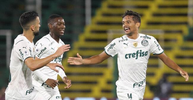 Palmeiras entra em campo na Libertadores.