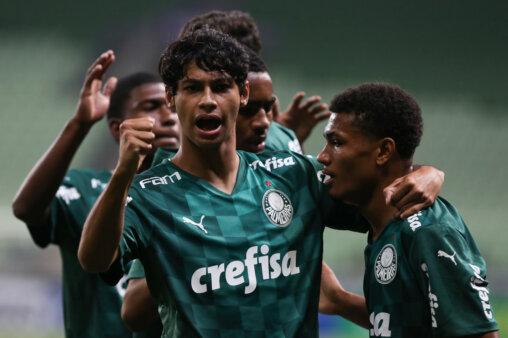Palmeiras enfrenta o Ceará