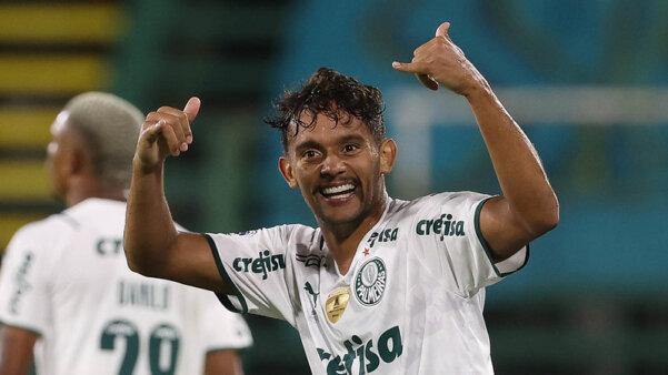 Scarpa busca retomar espaço no Palmeiras.