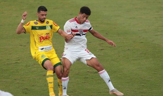 São Paulo e MIrassol se enfrentam pelo Paulista.