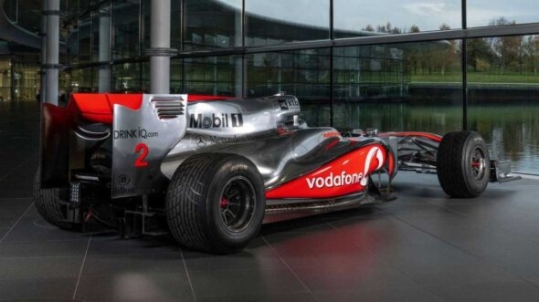 Carro de Lewis Hamilton de 2010 que será leiloado
