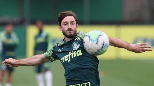 Viña perdeu titularidade no Palmeiras.