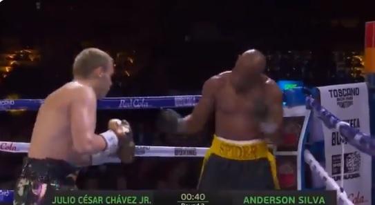 Anderson Silva x Julio Cesar Chavez Jr
