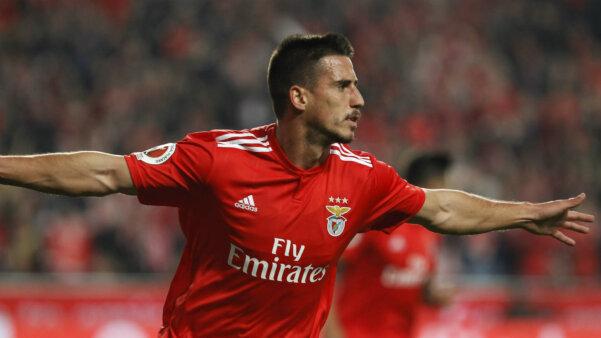 Gabriel em ação pelo Benfica
