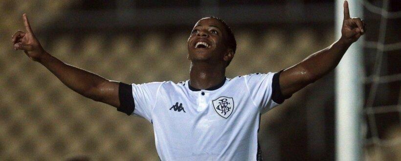 Ênio Santos em ação pelo Botafogo