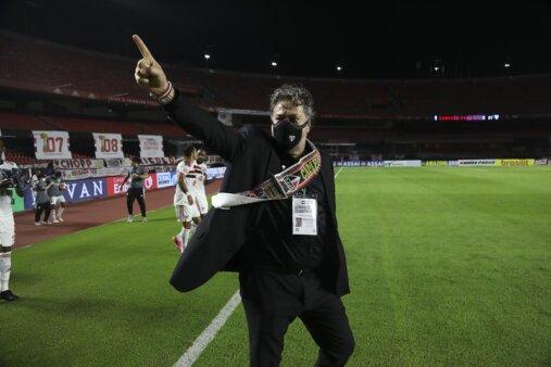 Casares é o presidente do São Paulo.