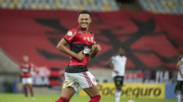 Rodrigo Muniz pode ser vendido pelo Flamengo.