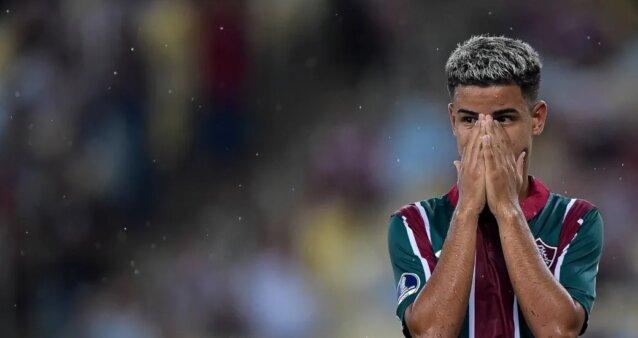 Miguel em ação pelo Fluminense