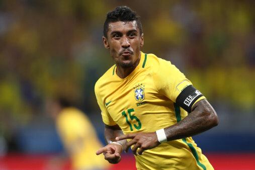 Alvo de brasileiros, Paulinho recusa proposta de clube europeu