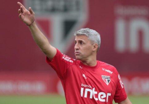 São Paulo atacante goleiro