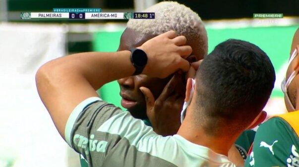 Patrick de Paula e o brinco em Palmeiras x América Mineiro