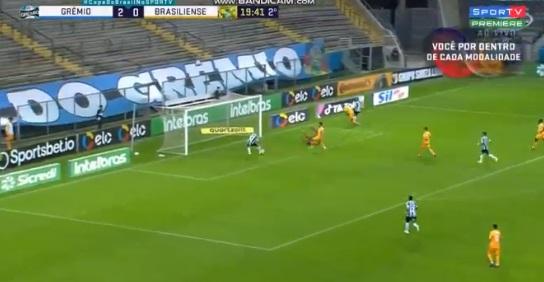 Ricardinho perde gol