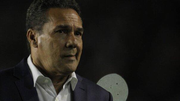 Vanderlei Luxemburgo foi descartado pelo Botafogo