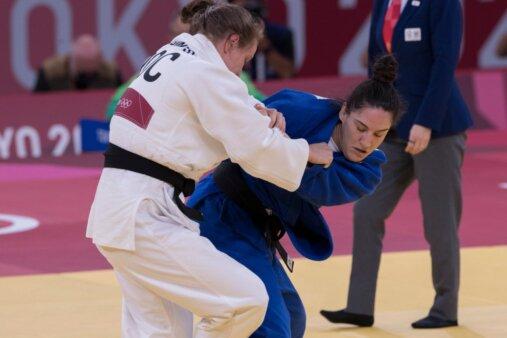Mayra Aguiar enfrenta judoca durante os Jogos Olímpicos de Tòquio-2020