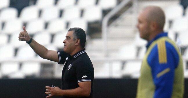 Marcelo Chamusca em ação no Botafogo