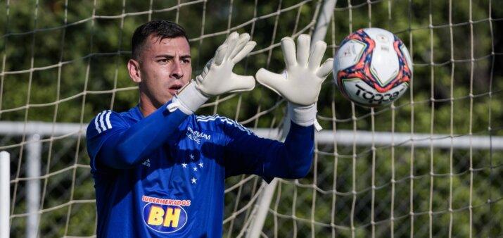 Vitor Eudes em ação pelo Cruzeiro
