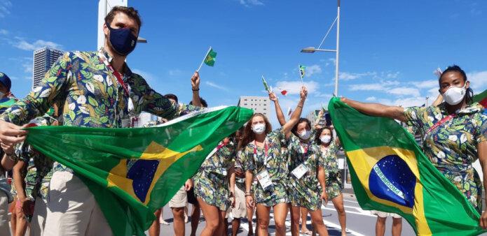 Olimpíadas: fora da abertura, atletas brasileiros desfilam na Vila Olímpica